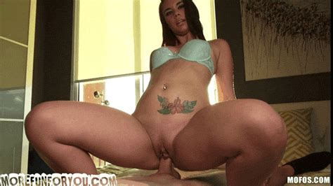 Brooklyn Rose Driving With Her Tits Out At Latina Sex Tape