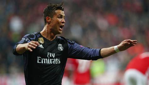 Football greats fall foul of Spanish taxman | eNCA
