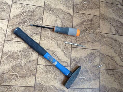 how to remove vinyl flooring   Removing Vinyl Flooring