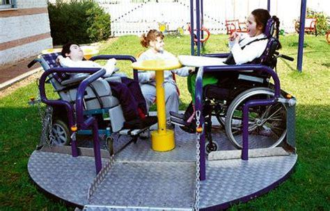 aires de jeux pour handicapes