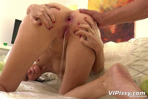 Kinky Ria Hill Has Anal Sex Covered In Warm Pee 2 Of 2