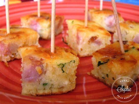 cuisiner la saucisse de morteau bouch 233 es ap 233 ritives 224 la saucisse de morteau de la