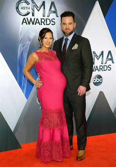 49th Cma Awards Red Carpet Arrivals Abc7com