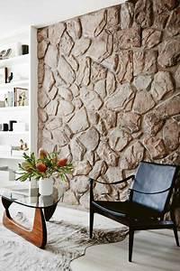 Steinwand Im Wohnzimmer : die besten 25 steinwand wohnzimmer ideen auf pinterest steinwand tv wand beleuchtung und tv ~ Sanjose-hotels-ca.com Haus und Dekorationen