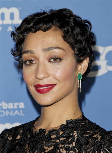 Ruth Negga's green earrings|Lainey Gossip Lifestyle