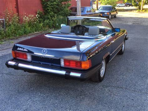 It drives excellent, the interior is like new, even the dash has no cracks and it comes with a nice. 1984 Mercedes 380 SL Convertible R107 - Classic Mercedes-Benz 300-Series 1984 for sale