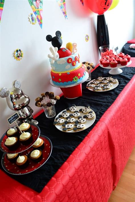 deco de table mickey anniversaire minnie anniversaire