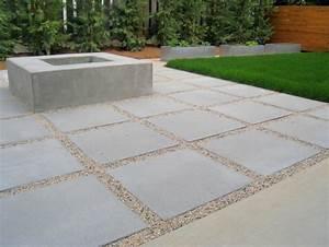 Polygonalplatten Auf Beton Verlegen : moderne terrasse mit kies und betonplatten verlegt ~ Lizthompson.info Haus und Dekorationen