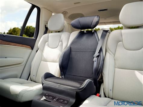 comfort upholstery  head support   integrated