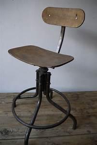 Chaise Bureau Industriel : chaise haute atelier industrielle bienaise metal et bois ~ Teatrodelosmanantiales.com Idées de Décoration