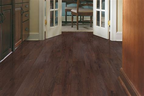 Celebration   Single Plank Laminate, Chocolate Truffle
