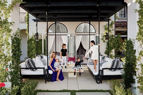 khloe  kourtney kardashian realize  dream houses
