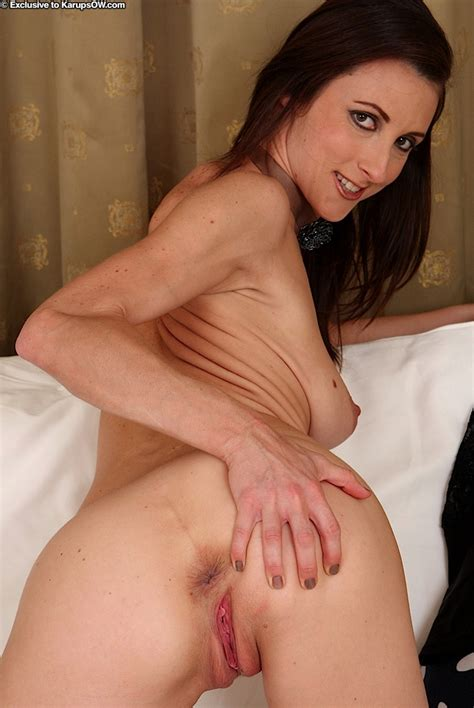 Brunette Milf Valentine Chevalier Revealing Saggy Tits And