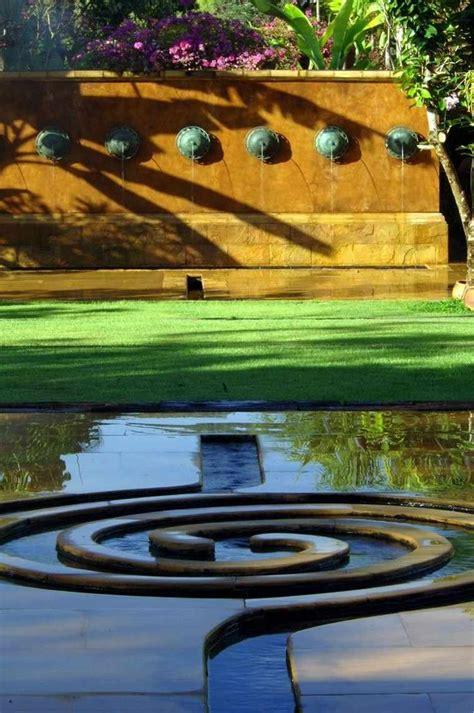 bassin d eau exterieur bassin d eau dans le jardin 85 id 233 es pour s inspirer
