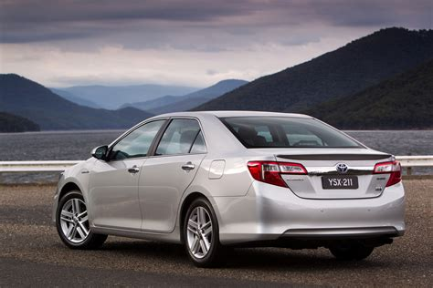 Review Toyota Camry Hybrid by Toyota Camry Hybrid Review Caradvice