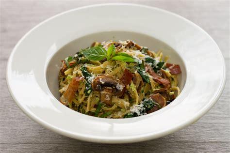 spaghetti au pesto prosciutto et chignons nautilus plus nautilus plus