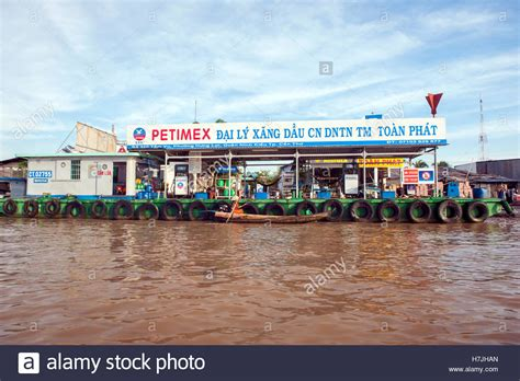 Floating A Boat On Gas by Floating Gas Station Stock Photos Floating Gas Station