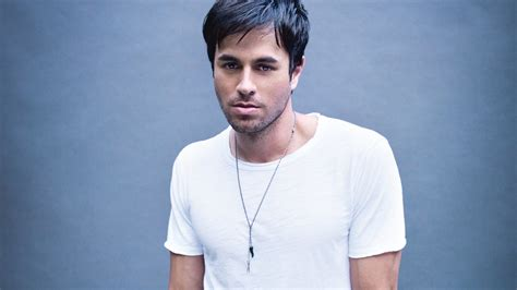 enrique iglesias singer hot hd wallpapers  hd wallpapers