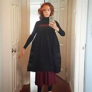 Lindsey Stirling Jokingly Displays New Dress for Teen ...