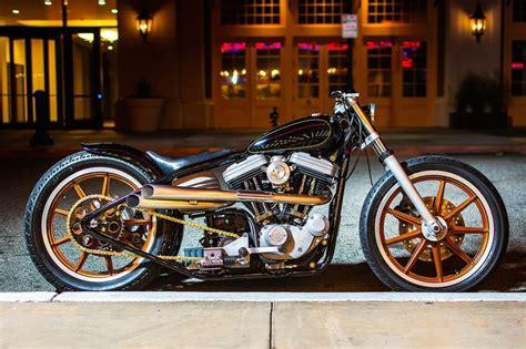 Black And Gold. Harley Davidson 886