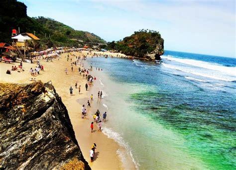 indahnya pantai parangtritis yogyakarta wisata bahari