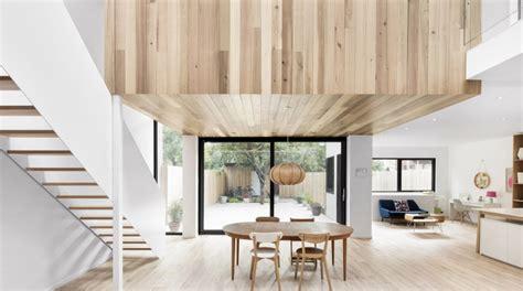 minimalistisch hout interieur maison r 233 nov 233 e avec un int 233 rieur minimaliste