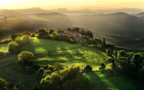 in italian great numbers for tourism in tuscany italian good news