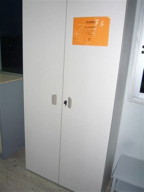 armoire de bureau occasion occasion mobiliers de bureau armoire bois d 39 occasion