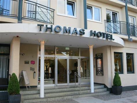 Eingang Vom Thomas Hotel  Bild Von Thomas Hotel Spa