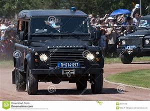 Land Rover Avignon : land rover editorial image image 25141730 ~ Gottalentnigeria.com Avis de Voitures