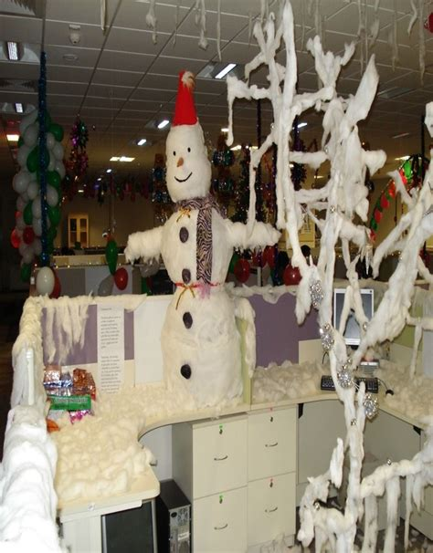 christmas decorating themes  workplace