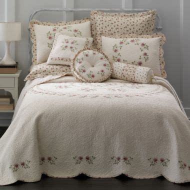 home expressions lynette bedspread found at jcpenney s pins bed spreads daybed