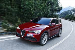 Alfa Romeo Stelvio Versions : alfa romeo launches new stelvio suv in europe check it out in mega gallery w video carscoops ~ Medecine-chirurgie-esthetiques.com Avis de Voitures