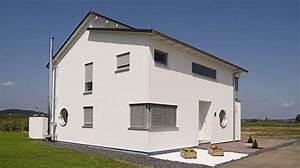 Häuser Mit Pultdach : einfamilienhaus mit versetztem pultdach haus schl sselfertig bauen planen architektenhaus ~ Markanthonyermac.com Haus und Dekorationen