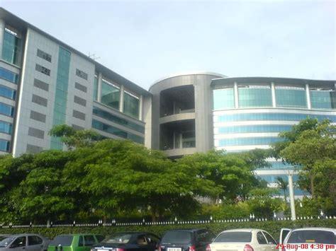 Office Building  Jp Morgan Office Photo Glassdoor