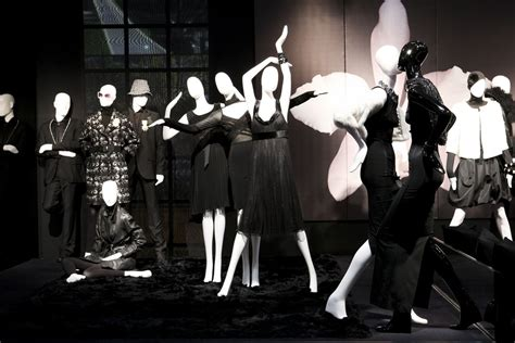 informations display mannequins brands mannequins