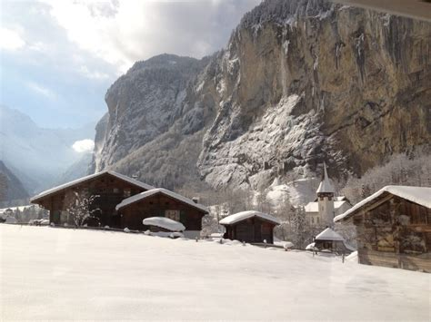 Interlaken private snow show tour and Lauterbrunnen valley
