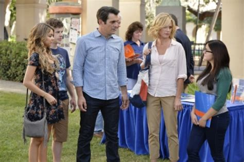 modern family season 6 episode 2 quot do not push quot photos