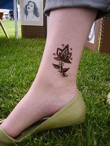 Heena Tattoo On Ankle