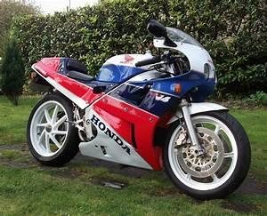 Honda Vfr 750 : the 1989 honda vfr 750 rc30 the greatest motorcycle ever ~ Farleysfitness.com Idées de Décoration
