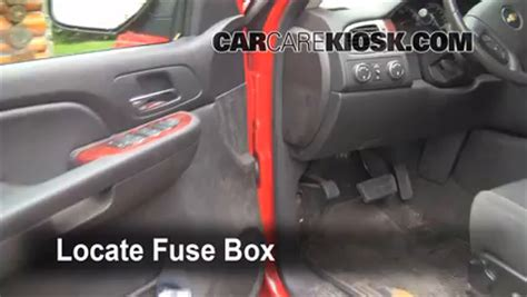 interior fuse box location 2007 2013 chevrolet avalanche