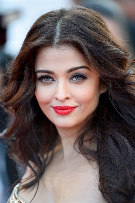 Aishwarya Rai Bachchans Cannes Film Festival 2014 Looks