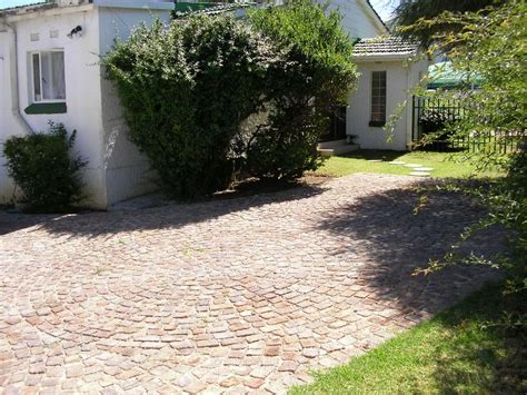 Self Catering Cottage Louhallas Self Catering Cottages In Edenvale Airportstay