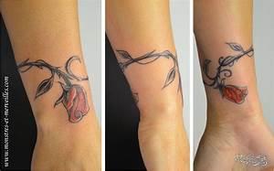 Fleur De Cerisier Tatouage : tatouage poignet femme fleur de cerisier acidcruetattoo ~ Dode.kayakingforconservation.com Idées de Décoration