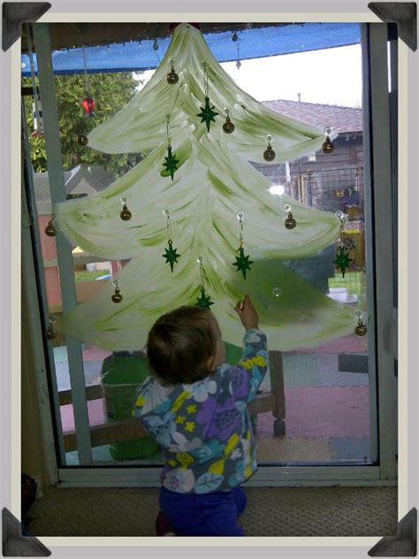7 best preschool window decorations images on 121 | 72a801341747282b259d0db2d9f271e1 preschool christmas christmas activities