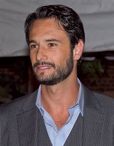 Rodrigo Santoro Weight Height Ethnicity Hair Color Eye Color