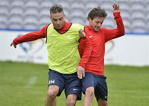 One Direction's Louis Tomlinson and Niall Horan prepare ...