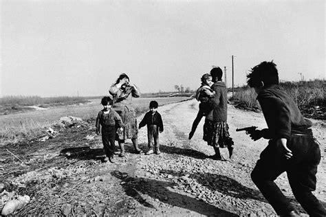 josef koudelka gypsies monovisions