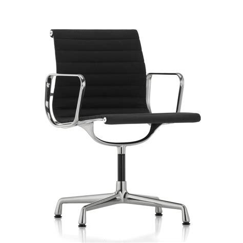 chaise de bureau vitra aluminium ea 104 chaise pivotante vitra