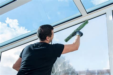 nettoyage bureaux montpellier nettoyage de vitres à montpellier espace propreté